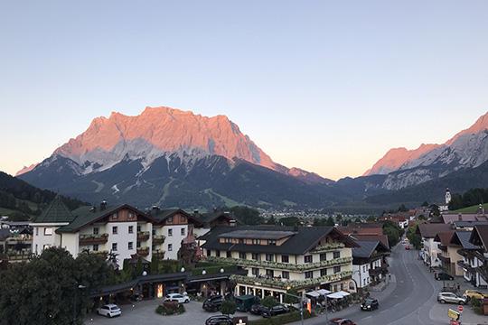 Zugspitze - Blick aus Hotel Bergland