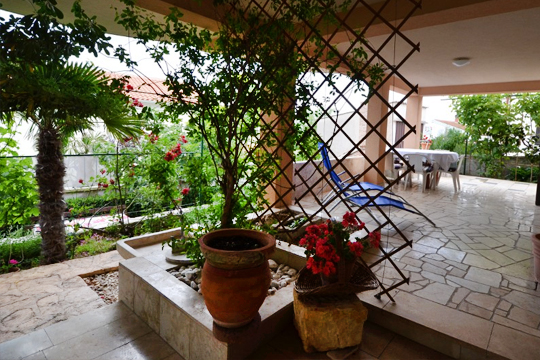 Terrasse der Villa Bartol